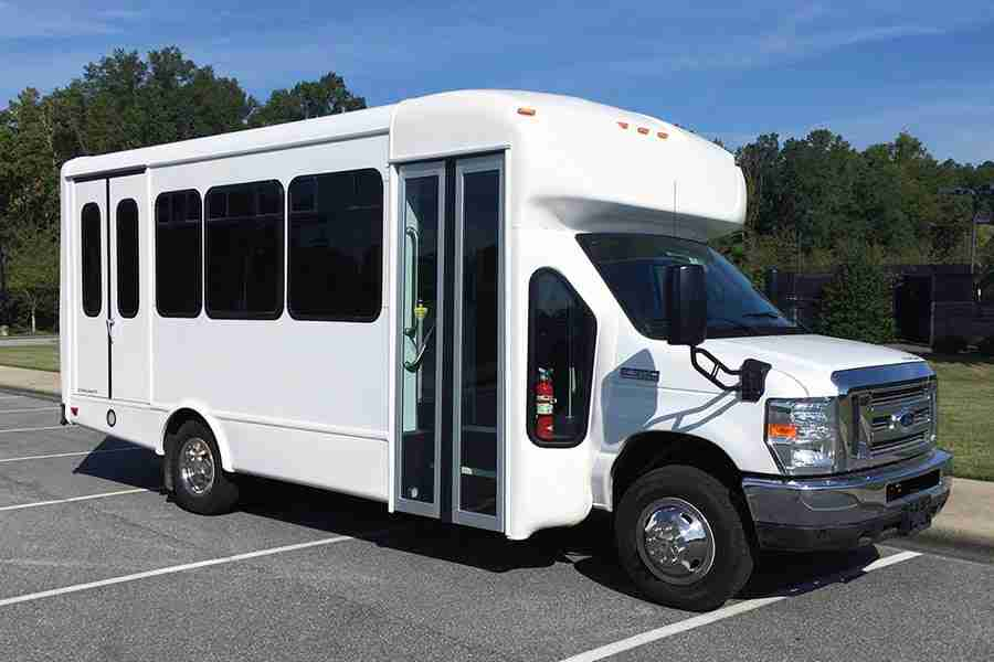 Purchasing a Bus For Your Senior Living Community